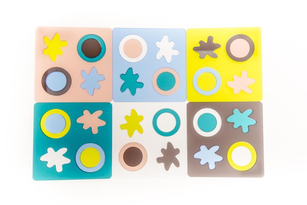 Barevné destičky stolní dětská hra a skládačka ruční výroba od Lucie Kupilíkové